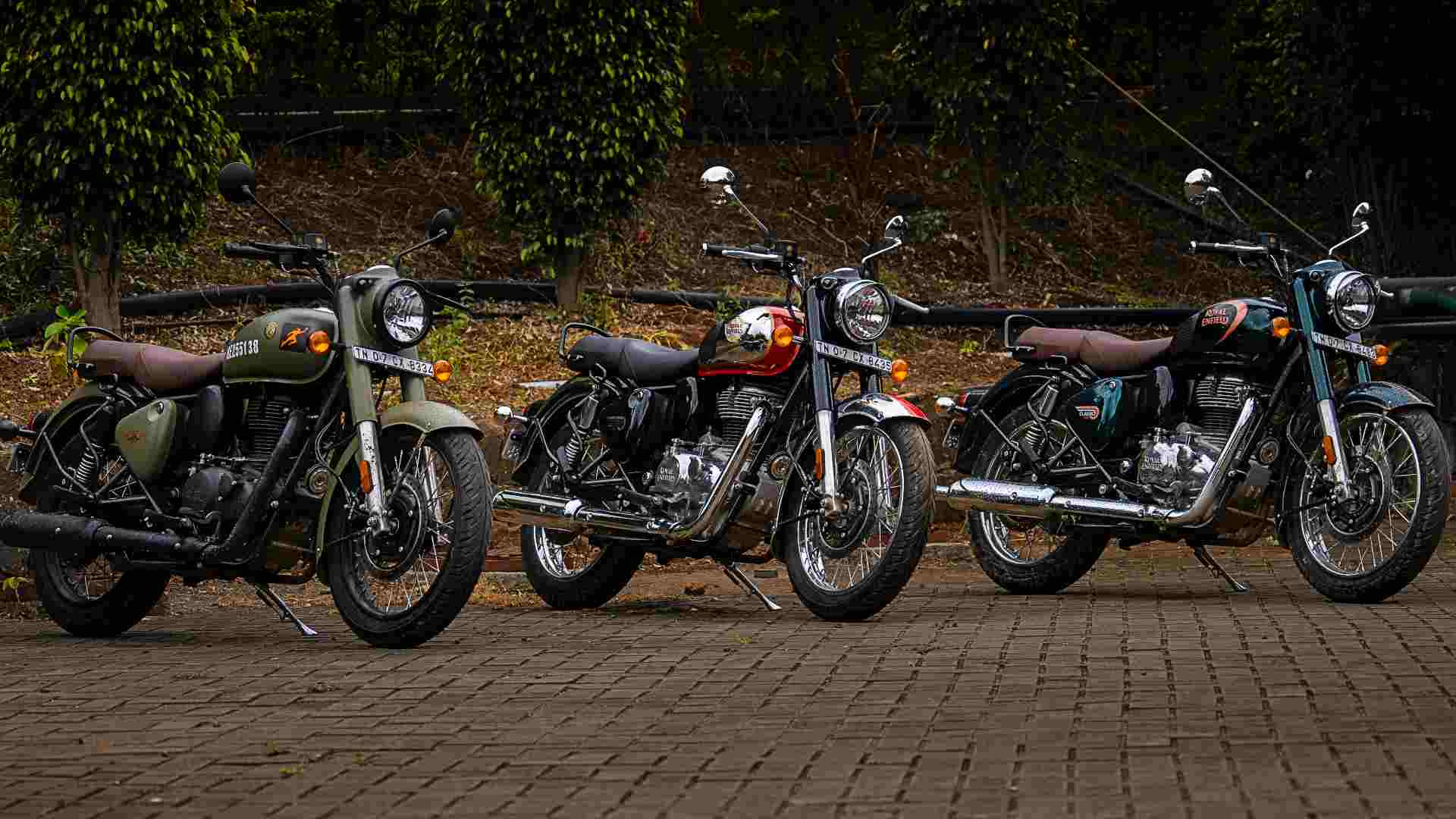 The new Classic 350 is available in eleven colourways, including the (L-R) Signals, Chrome and Halcyon versions. Image: Royal Enfield