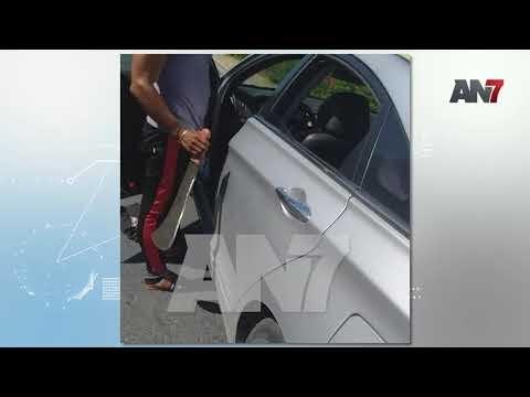 EN VIDEO: Un Chofer de la ruta Km. 12 de Herrera intentó agredir a un pasajero con un machete