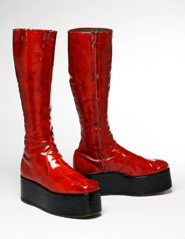 """Fashion -- including the pop star's red platform boots for the 1973 """"Aladdin Sane"""" tour -- is part of the David Bowie story told through a traveling exhibit making its only U.S. appearance in Chicago."""
