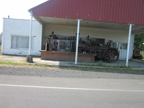 The Perrydale Traction Engine