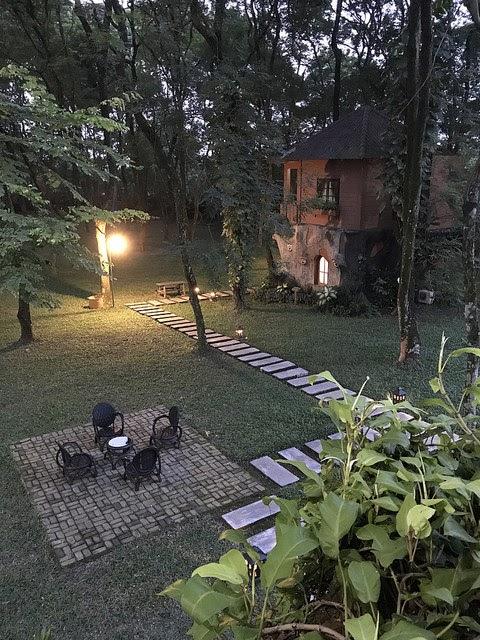 Review Menginap di Rumah Pohon Leo dan Berkeliling di Taman Buah Mekarsari