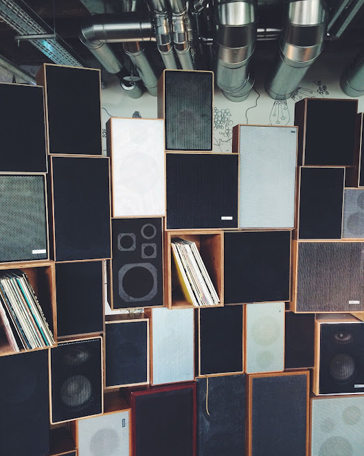 Ready to Buy New Stereo Speakers? Consider These Important Factors!