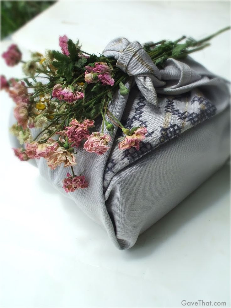mam for gavethat furoshiki gift wrap look using dried flowers and vintage napkins