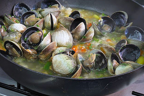 At the Southern Clams Stall I watched how quick and easy these were to prepare