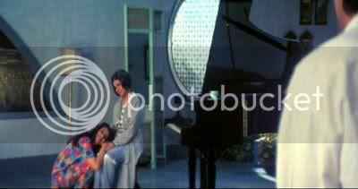 http://i298.photobucket.com/albums/mm253/blogspot_images/Moksha/PDVD_092.jpg