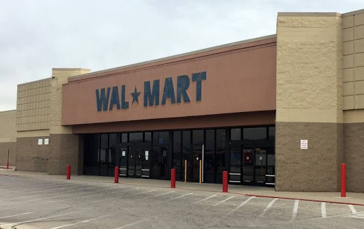 East Dundee's former Wal-Mart rezoned to allow industrial, commercial uses