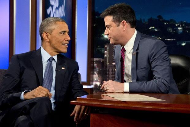 O presidente dos Estados Unidos, Barack Obama, durante uma entrevista no programa 'Jimmy Kimmel Live', da emissora 'ABC' (Foto: Jacquelyn Martin/AP)
