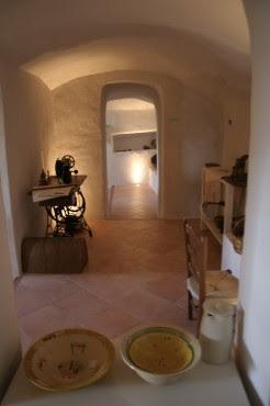 Se ha cuidado mucho la exposicion en las Casas-Cueva.