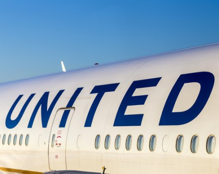 United Airlines settles with doctor dragged from flight