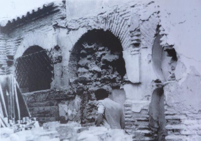 Claustro mudéjar de la Iglesia de San Andrés en las excavaciones previas a su demolición efectuadas entre el 23 de junio y 17 de julio de 1987