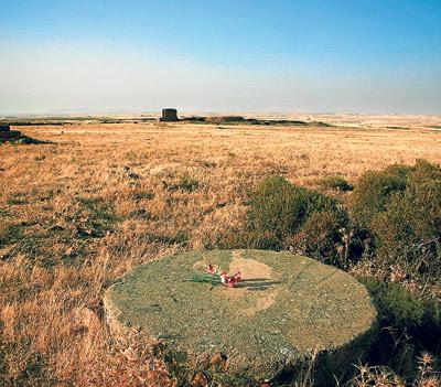 Antiguo campo de concentración de Castuera (Badajoz), con la mina al fondo.  - LAURA LEÓN