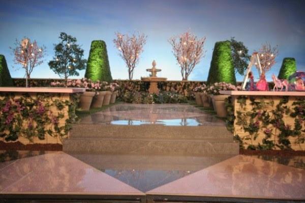 Barbie TV Commercial Garden Set | Greenscape