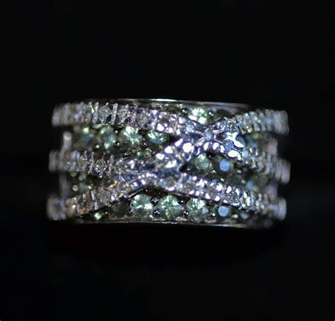 Exquisite Diamond rings and bands for anniversary