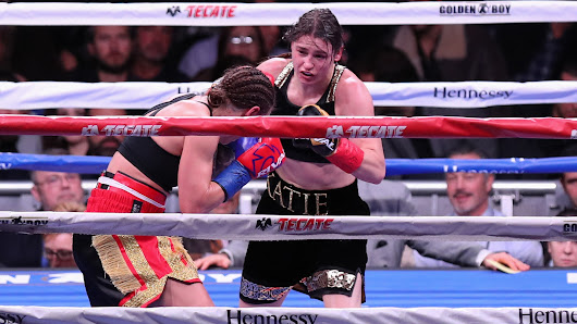 Katie Taylor utterly dominates Wahlstrom in New York