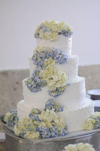 25  best ideas about Hydrangea Wedding Cakes on Pinterest
