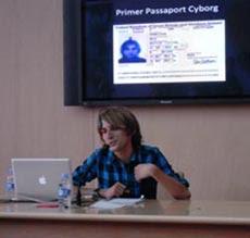 Primer pasaporte de un ciborg