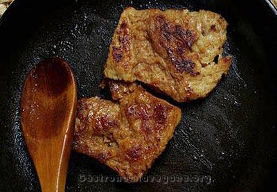 Soja texturizada a la plancha con salsa de soja