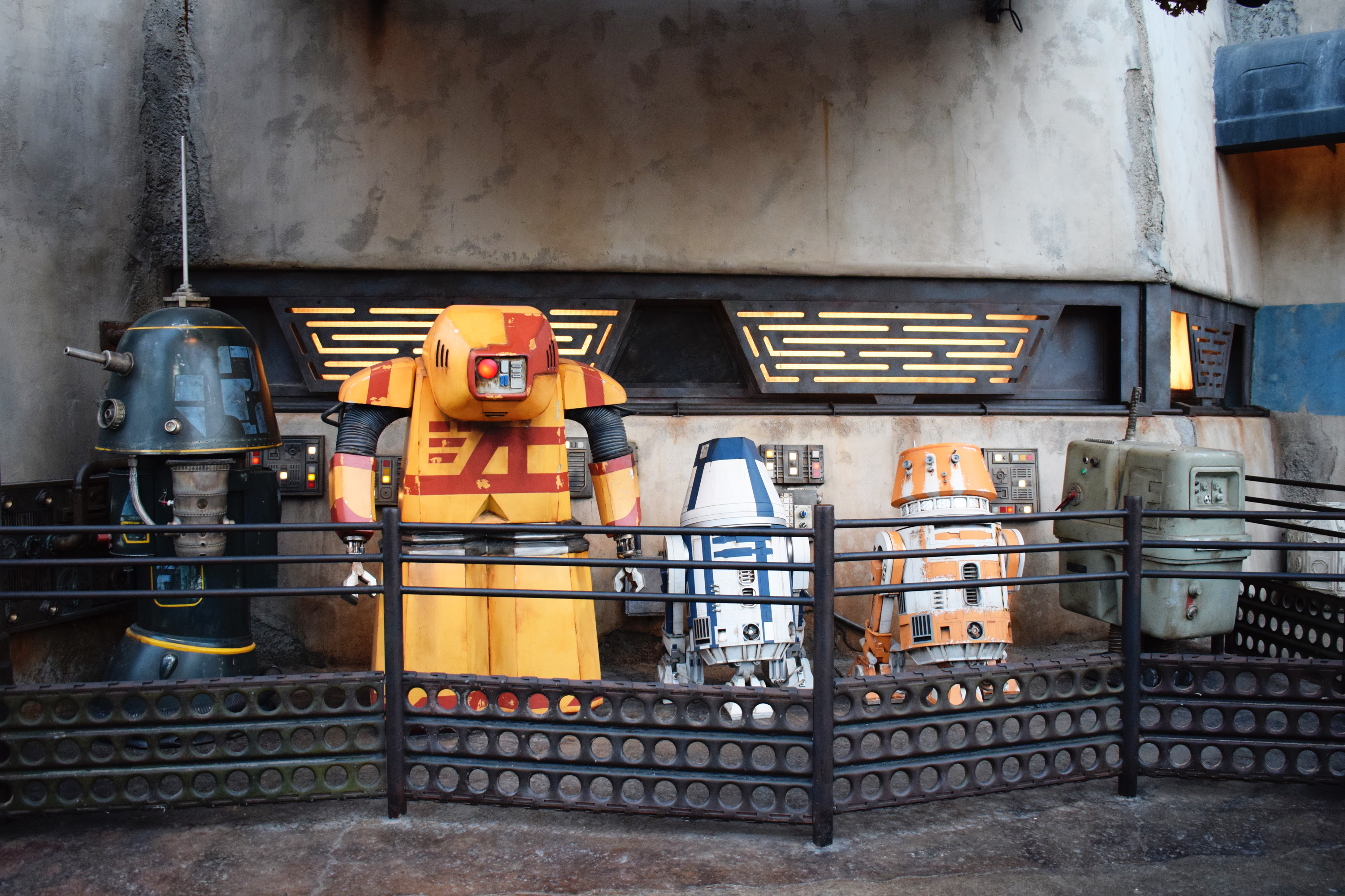 Star Wars: Galaxy's Edge - Kyber Crystal Price Increase, Rules & Stock | Anakin and His Angel