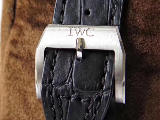 IWC 377725 Buckle
