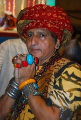 Barefeet Blogger of Mumbai by firoze shakir photographerno1