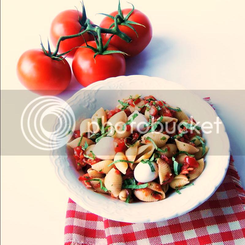Pomodoro Fresco (Fresh Tomato) Pasta Salad