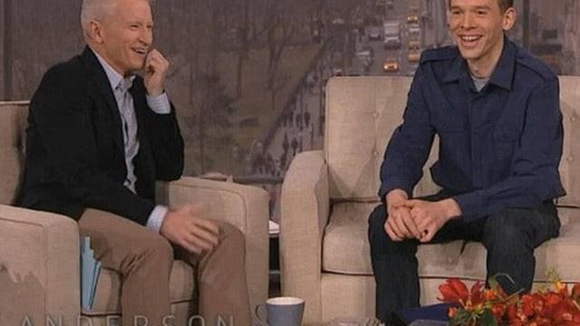 Trent, à direita, conversa com o apresentador de TV Anderson Cooper