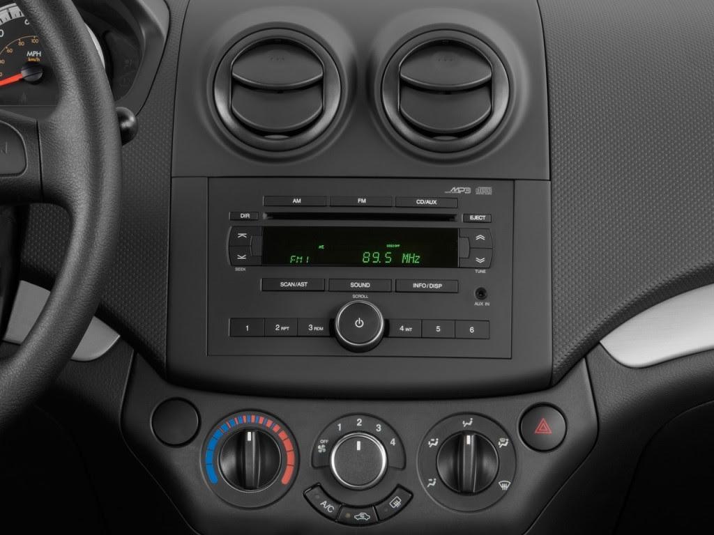 Image: 2011 Chevrolet Aveo 4-door Sedan LS Instrument Panel, size ...