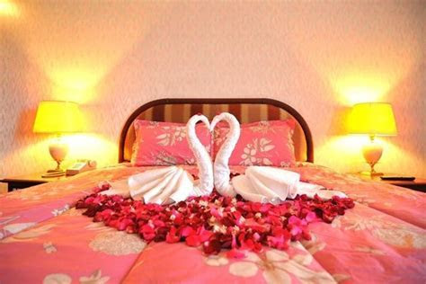 509 best Romantic Bedrooms and Love Settings images on
