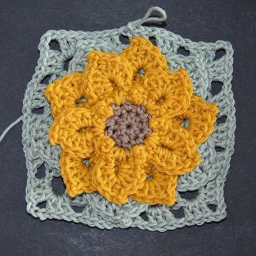 MyGurumi: my small dahlia - granny square pattern
