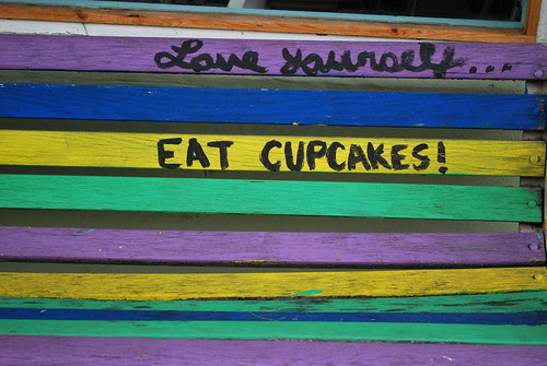 Eat cupcakes