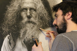 Artist Spends Hundreds of Hours Drawing Hyperrealistic Portraits Mimicking Renaissance Techniques