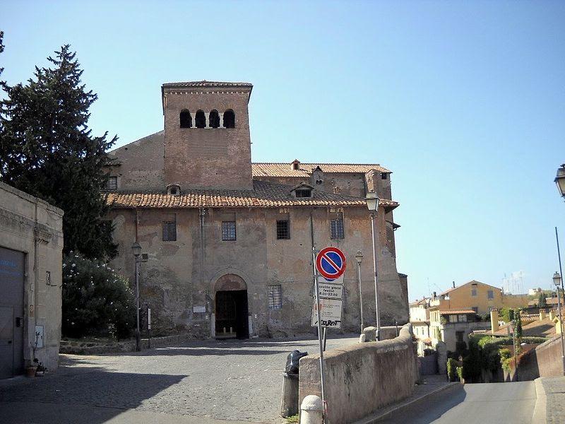Fil: Roma Celio ss quattro Coronati facciata.JPG