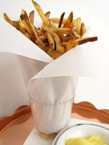 gastronomer 39 s guide pommes frites with mayonnaise. Black Bedroom Furniture Sets. Home Design Ideas