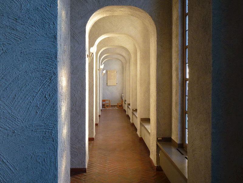 Essinge kyrka interiör 2013c.jpg