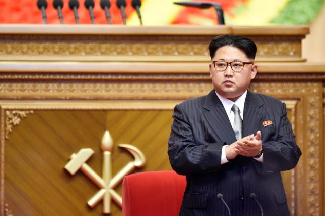 http://images.lpcdn.ca/641x427/201605/09/1188151-kim-jong-applaudit-durant-premier.jpg