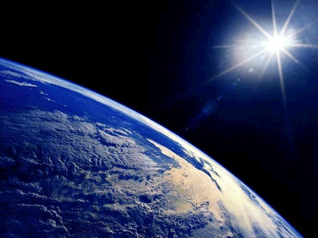 Free Live Space Wallpapers Earth