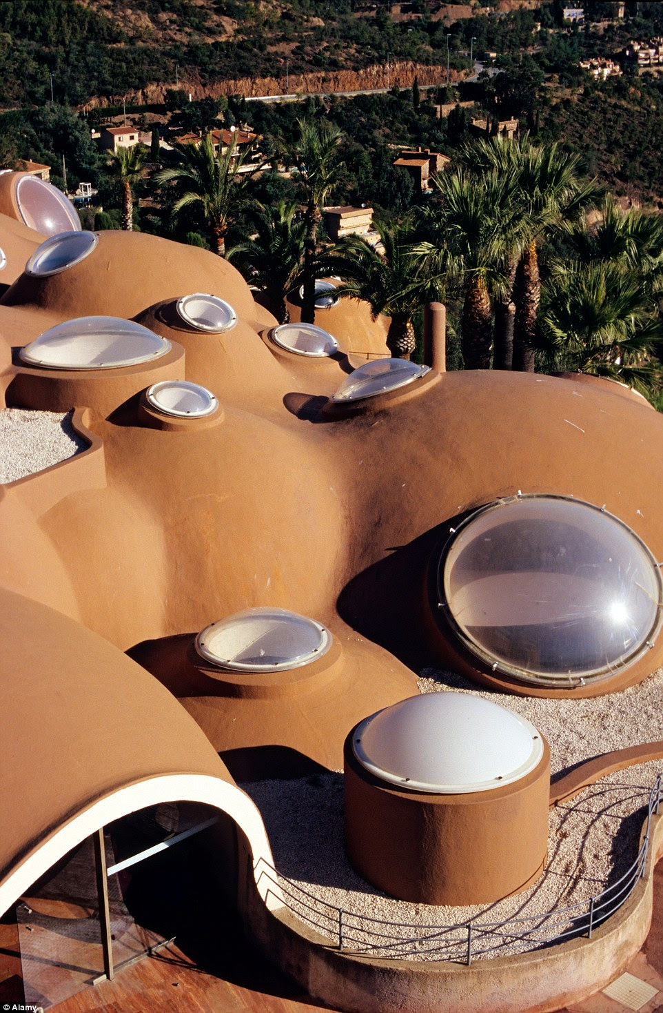 The futuristic, bubble haven has become one of the most well known structures of Hungarian architect, Antti Lovag