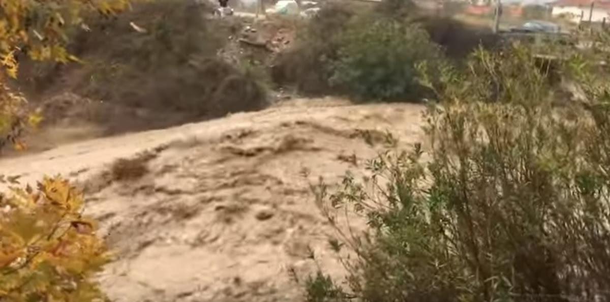 Καιρός: Χάος, πλημμύρες και κατολισθήσεις – Σοβαρά προβλήματα σχεδόν σε όλη τη χώρα | Newsit.gr