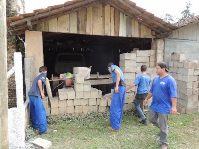 CAMINHÃO FORD 0KM É ENCONTRADO APÓS FICAR 25 ANOS EM GALPÃO LACRADO (23 FOTOS)