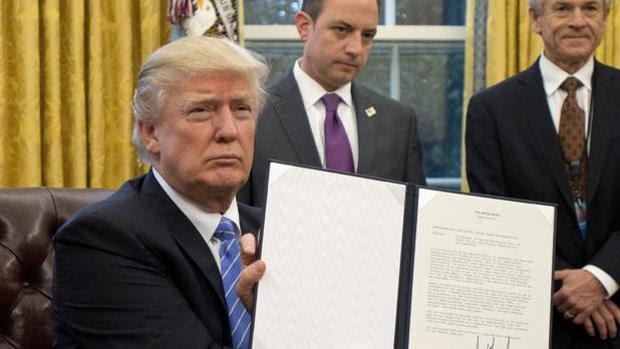 El Supremo de EE.UU. permite la entrada en vigor de algunas partes del veto migratorio de Trump