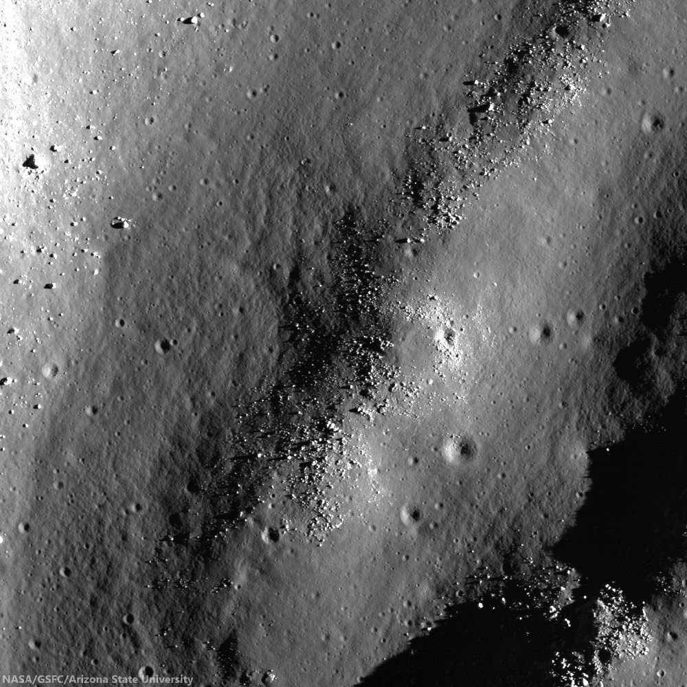 Mass wasting on fractured floor of Humboldt crater