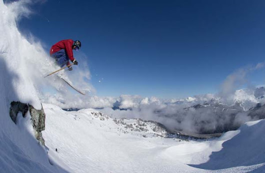 The Four Best Canadian Resorts for Powder Skiing