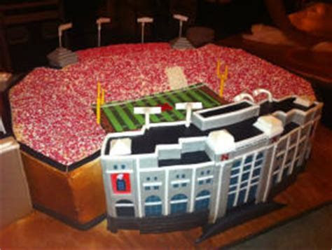 Sports Themed Weddings   Sports Themed Wedding Cakes