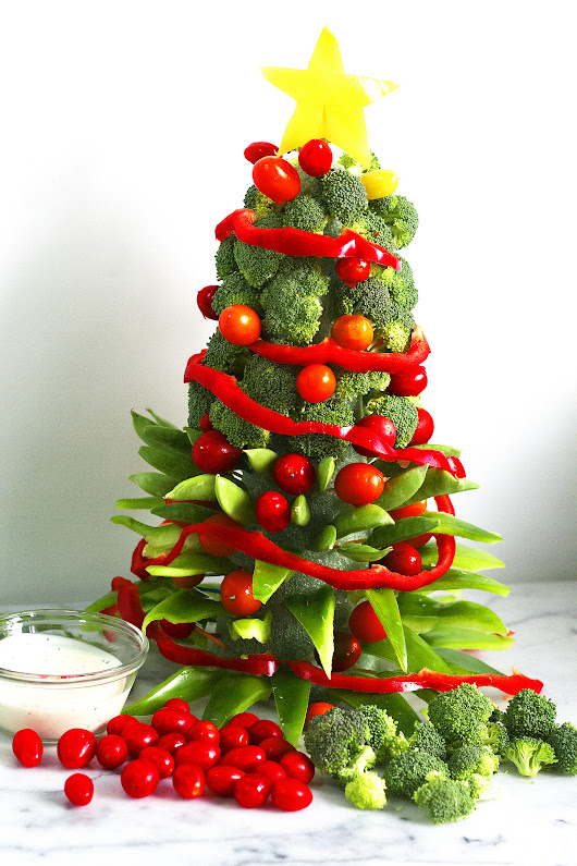 Veggie Christmas Tree (How To VIDEO) - Kelley and Cricket