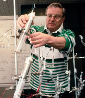 Prof. Stanley Pons in his cold fusion lab at University of Utah 1989