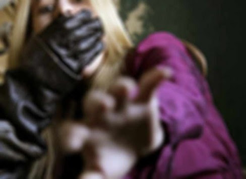 Woman_Attack_488_355