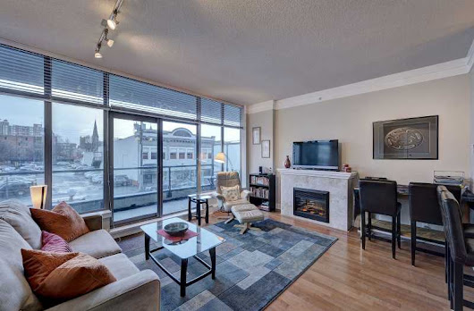 Wave 2 -  Cozy Downtown Victoria 1 Bedroom Condo Walking Distance To Amenities