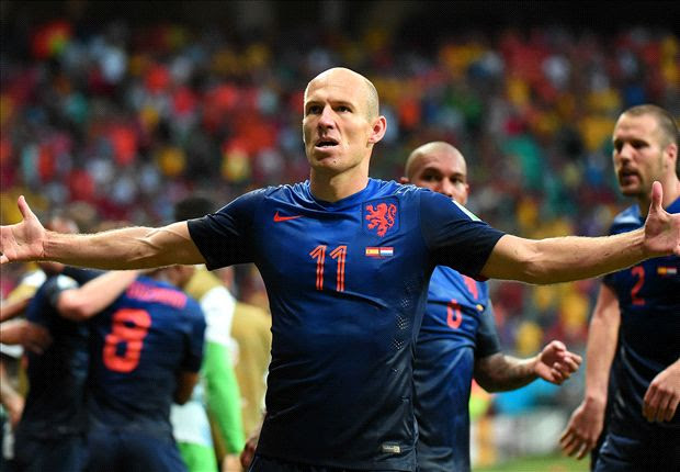 Spain 1-5 Netherlands: Robben and Van Persie obliterate world champions
