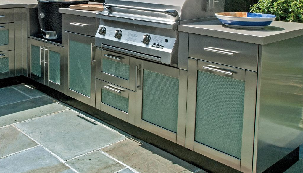 Outdoor Kitchen cabinets 1024x585