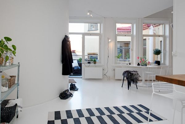 Small One-Room Apartment Showcasing An Ingenious Layout
